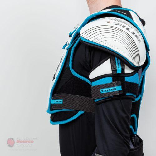 shoulder-pads-true-ax9-sr-detail-0486